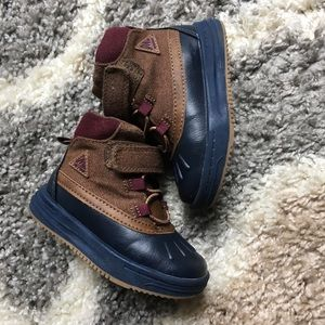 Carter's boots size 6C